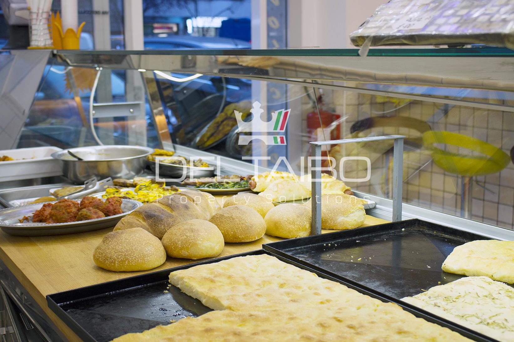 Attività di pizzeria al taglio in vendita a Colli Albani